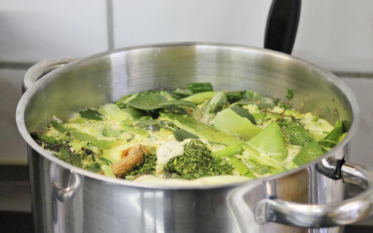 schoenblick-kochtopf-suppe